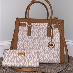Michael Kors tote purse and wallet